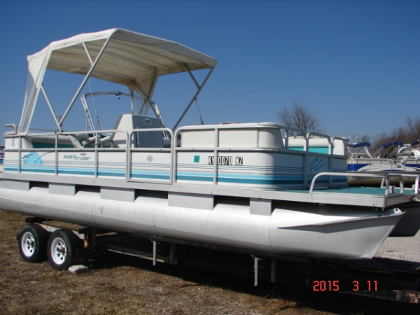 1992 Riviera Cruiser 22 ft. Pontoon Boat Evinrude 90 hp V4 two-cycle  --MADE IN USA