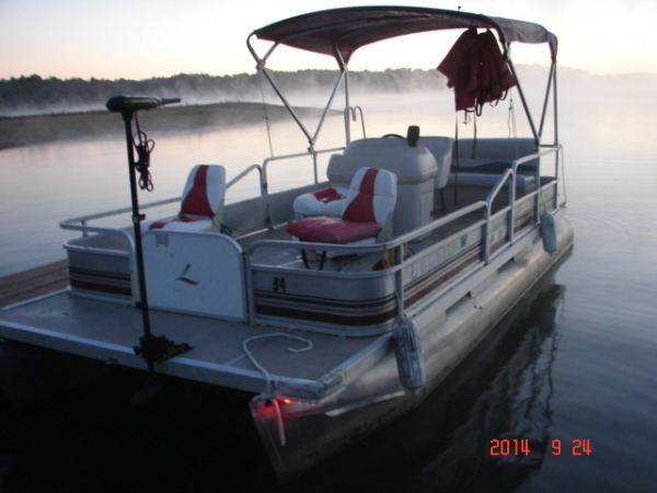 #54 Fishin' Fool Economy Plus 1989 Suncruiser Sunfisher 20 ft. Pontoon Boat