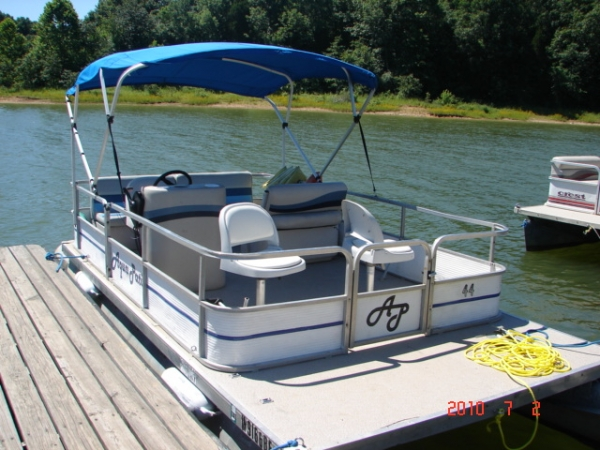 Beautiful #44 Fishinu0027 Fool Economy 1983 Aqua Patio 20 Ft. Pontoon Boat