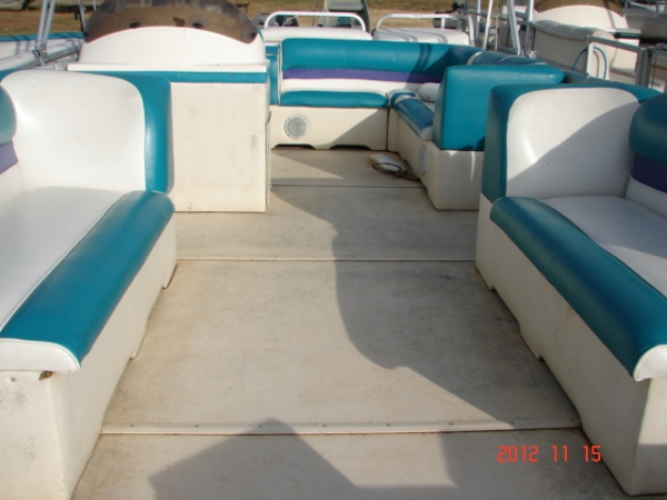 #61 Family Party Cruiser 22 ft. 2003 Crest 2223 Sport XLRE Pontoon Boat
