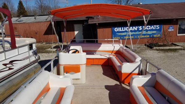 #62 Family Orange Crush Cruiser 25 ft. 2003 Crest 2023 Sport XLRE Pontoon Boat