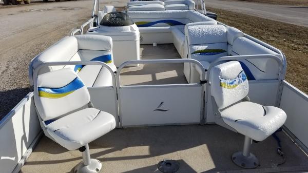 75 Elite Tri-Toon Fish N Ski 25 ft  2007 pontoon boat