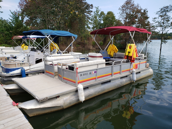 #48 Family Cruiser Economy 24 ft. Godfrey Sweetwater 2420 1986 pontoon boat