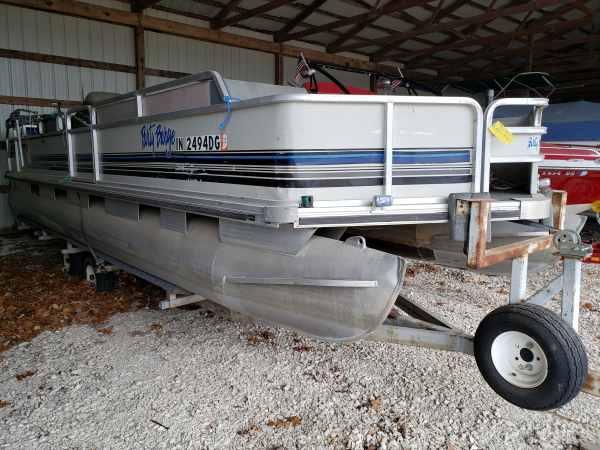 1992 Sun Tracker Party Barge 24'  Johnson 90 hp 2-cycle outboard
