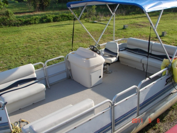 #25 Family Cruiser Economy 1994 Sylvan 21WS9 Windsong 21 ft. Pontoon Boat