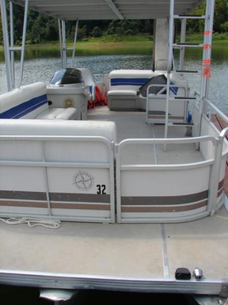 #32 Family Tri-toon Slow Tow & Slide 24 ft. 2006 Leisure 240 Meridian waterslide pontoon boat