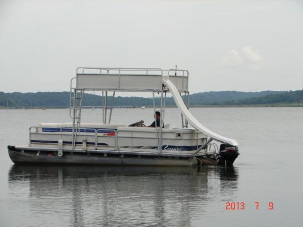 #31 Family Tri-toon Slow Tow & Slide 24 ft. 2006 Leisure 240 Meridian waterslide pontoon boat