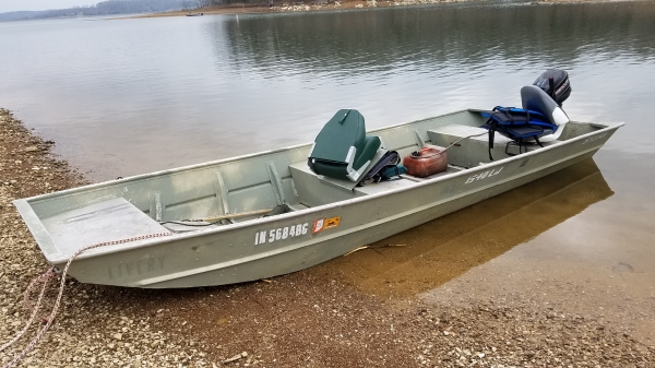 21 Fishing Jon Boat Is 15 Ft And Will Hold Up To 3 People Or Up To 550 Pounds Total Including All Persons Gear And Belongings On Board
